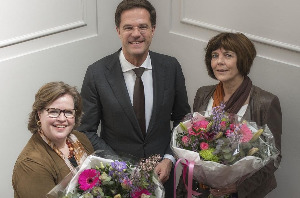Een bloemetje? 2 op de 3 secretaresses heeft liever een andere baan...