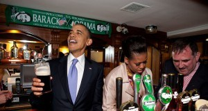 https://upload.wikimedia.org/wikipedia/commons/8/8e/Barack_and_Michelle_Obama_in_Ollie_Hayes_Pub.jpg