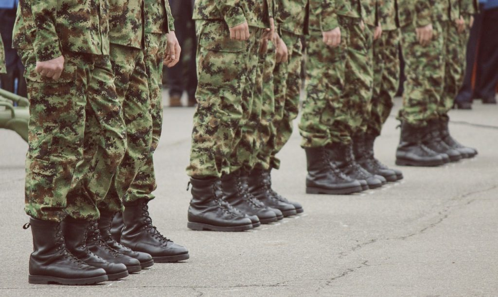 militairen in opstelling