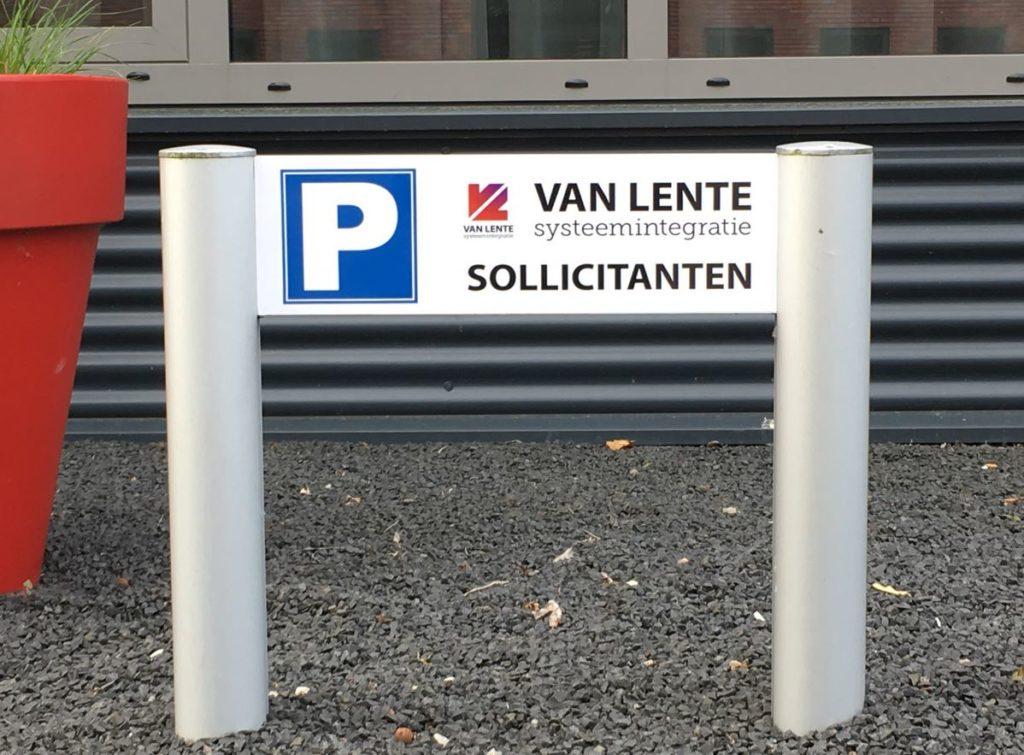 Zo schudden 2 parkeerplaatsen voor sollicitanten een hele organisatie wakker