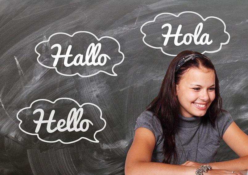 De Nederlandse chatbots kampen nog altijd met hun taalgebruik: willen we dat wel?