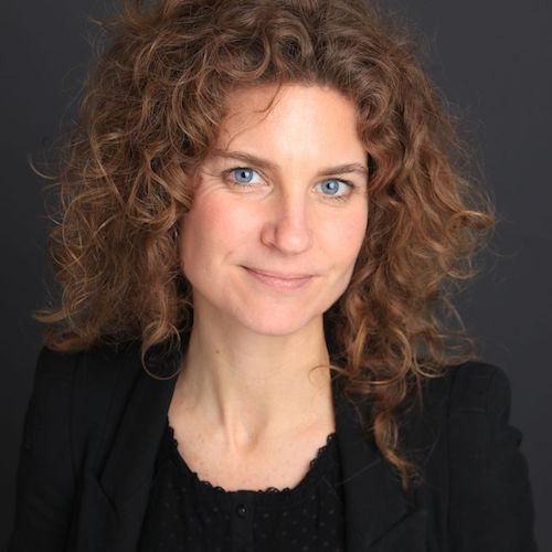 Liesbeth Bakels, Moederannecasting