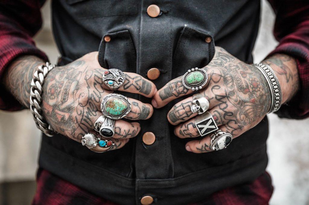 Tattoo blijkt geen belemmering meer in huidige arbeidsmarkt