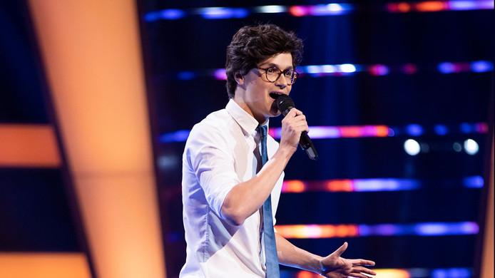 Funny Friday: Talmark's Dennis van Aarssen zingt de sterren van de hemel in 'The Voice of Holland'