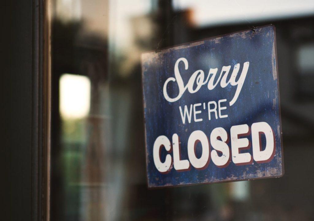 7 bedrijven die door personeelstekort de deuren (dreigen te) moeten sluiten