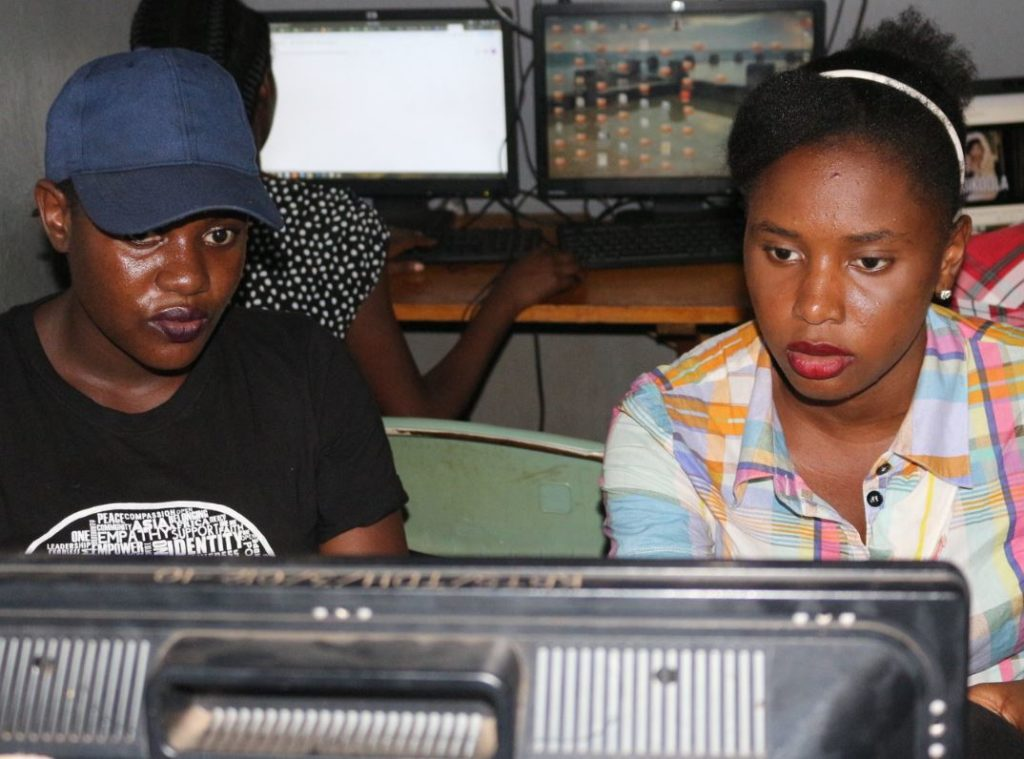 Internationale Vrouwendag: hoe een Nederlands bedrijf Afrikaanse vrouwen aan IT-werk helpt