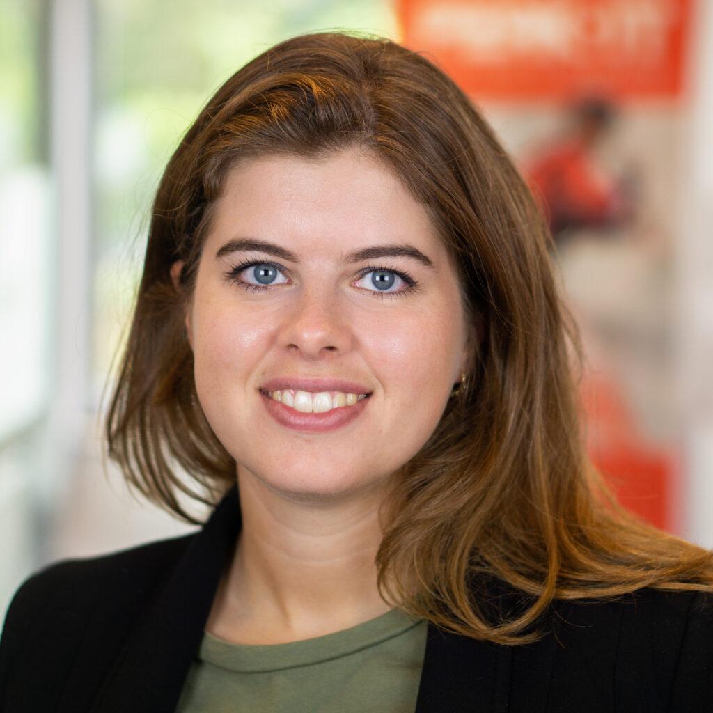 Charlotte Sars: Corporate Recruiter