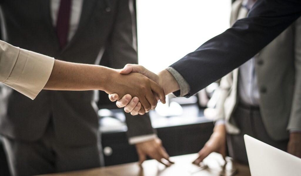 Druk overnameseizoen in recruitmentmarkt: een kort overzicht