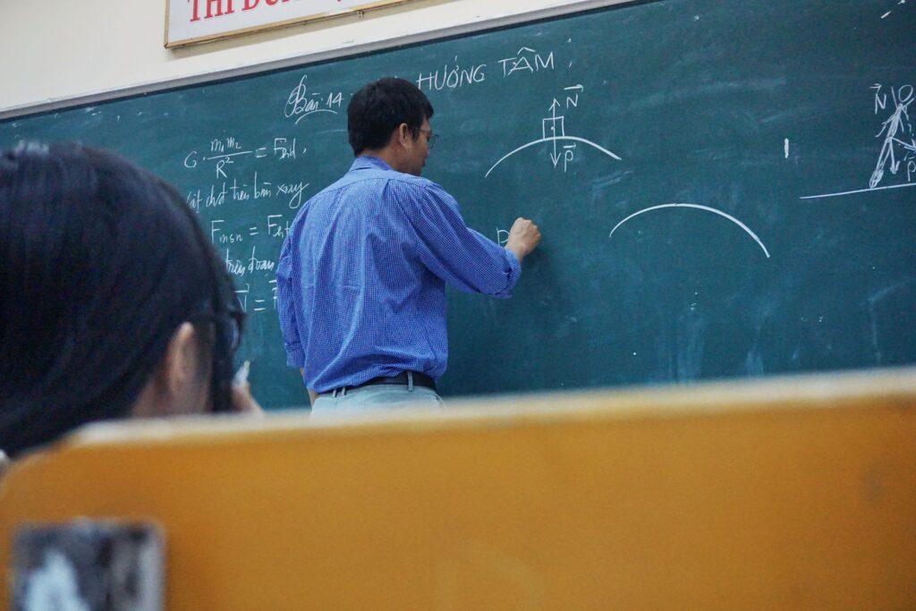 Leerkrachten gezocht: bijna 8.000 vacatures op Jobrapido voor het nieuwe schooljaar