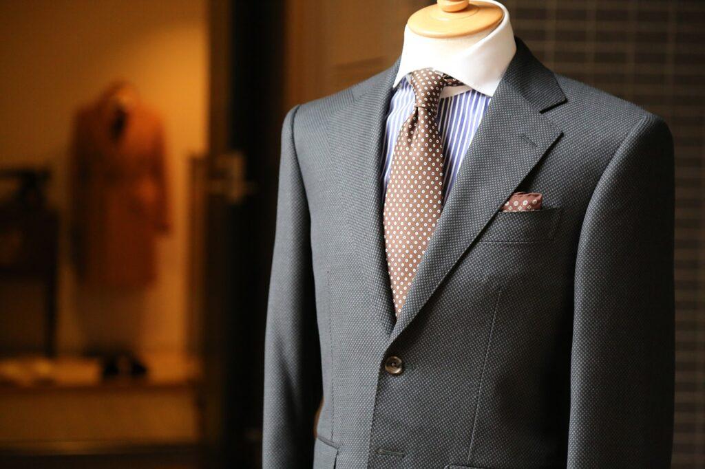 'Strak in het pak' blijkt nog steeds de norm bij een sollicitatie