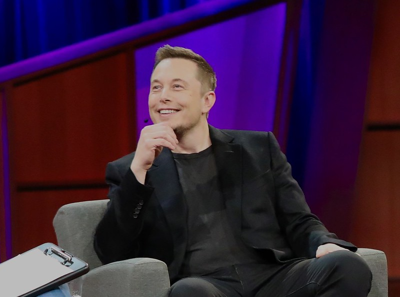 'Kom op een feest bij mij thuis, diploma niet vereist': hoe Elon Musk Twitter inzet om te recruiten