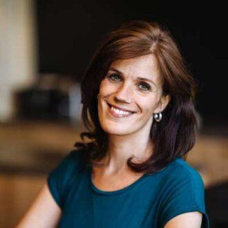 Een sterk werkgeversmerk begint altijd intern, zegt Chantal van Kuyen (Employer Brander). Werkgevers die zich dus nú van hun goede kant tonen, staan straks vooraan als de ergste crisis voorbij is. 'Employer branding is zóveel meer dan een mooi plaatje naar buiten.'