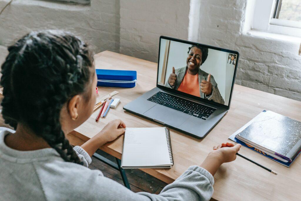 Hoe je met video het verschil kunt maken in een 'remote candidate journey'