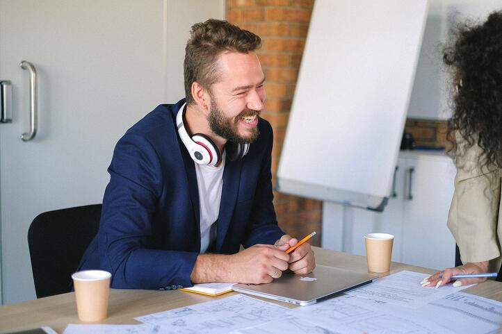 Hoe je van élke medewerker zowel een recruiter als een marketeer kunt maken