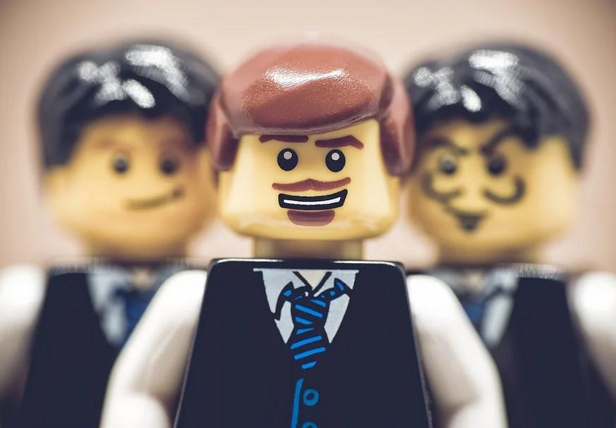 Wim op woensdag: Waarom we managers minder moeten betalen